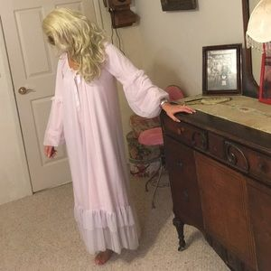 Vintage Hollywood pink nightgown